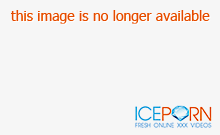 Blond Bombshell Fails to Sell Car
